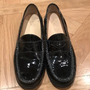 Cole Haan loafers 7.5 narrow